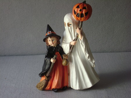 KK-41479 Resin Trick or Treat Children
